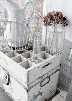 . . . Cabin & Cottage : Ways With Wire Baskets