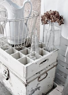. . . Cabin & Cottage : Ways With Wire Baskets