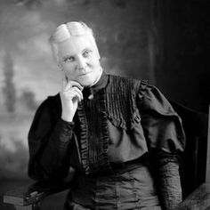 Jennie Kidd Trout, the first woman licensed to practice medicine in Canada in Looks like a total bad ass to me. Important People, Important Dates, Great Women, Amazing Women, Canadian History, O Canada, Female Doctor, Women In History, Famous Women