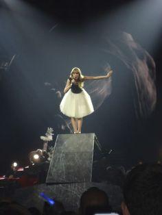 Taylor Swift. Red Tour. Treacherous