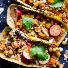 Healthy Ground Chicken Tacos 30 Minute Ground Chicken Tacos Recipe loaded with vegetables and Ground Chicken Casserole, Ground Chicken Burgers, Chicken Taco Recipes, Ground Chicken Recipes, Beef Recipes, Cake Recipes, Healthy Freezer Meals, Healthy Family Meals, Family Recipes