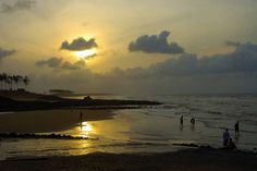 Digha has always been the best weekend tourist destination. It is easily reachable and the fares are cheap too. Frequent buses and trains are available from various parts of West Bengal. All this makes Digha the most opted for hot spot.