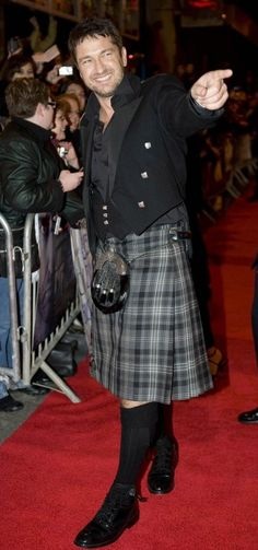 Gerard Butler--It takes a real man to wear a kilt.
