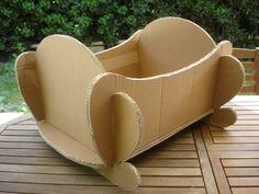 Cardboard cradle 1 Photo of Cartonnage My 5 hearts all my inspiration Diy Furniture Nightstand, Baby Doll Furniture, Diy Cardboard Furniture, Cardboard Paper, Cardboard Crafts, Baby Doll Bed, Doll Beds, Baby Dolls, Miniature Furniture