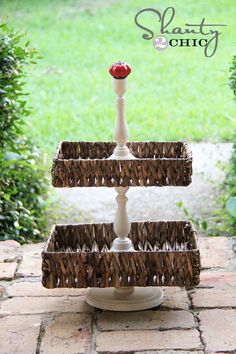 tiered basket tray- I think I'll try it with round baskets Hey I have these very baskets all in my computer room woo HOO Basket Tray, Round Basket, Cheap Favors, Wedding Favors Cheap, Crafts To Sell, Home Crafts, Diy And Crafts, Do It Yourself Crafts, Diy Cake