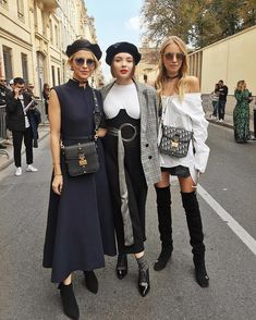 The cutest 🇩🇪 @carodaur & @ohhcouture at #streetstyle before @Dior ✨🇫🇷 girls, you are so lovely! #dior #PFW