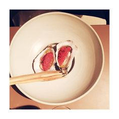 "#northernfoodiesthlm: Oyster and grapefruit ""Snacks"" at Adam/Albin in Stockholm 👌🏻👆🏻#adamalbin #asianfusion #tastingmenu #fun #fresh #trend #restaurant #dinner #food #sthlm #stockholmfood #wknd #sunday #weekend #foodie #food #clean #instahealth #photooftheday #eat #yum #inspo #snack #classic #finedining #date #datenight #sthlmfood@northernfoodie på Instagram • 35 gilla-markeringar"