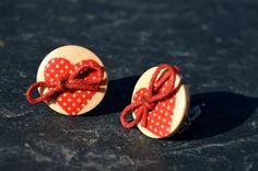 Boucles d'oreilles clips pour oreilles non percées boutons bois coeur - bijoux fantaisie TessNess : Boucles d'oreille par tessness