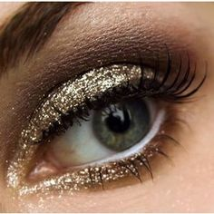 Golden sparkle make up, glitzy eyes. Perf for Bachlorette make-up! Gorgeous Makeup, Pretty Makeup, Love Makeup, Makeup Looks, Makeup Style, Makeup Elf, Kiss Makeup, Hair Makeup, All Things Beauty