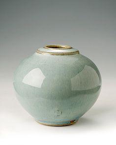 James Hake, vase with gold rim.