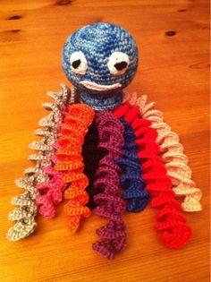 Con estas manazas: Román #amigurumi #crochet #ganchillo