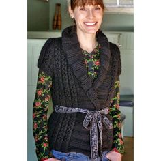 Ravelry: Ariosa Wrap Cardi pattern by Cecily Glowik MacDonald Vintage Crochet Patterns, Vintage Knitting, Knitting Patterns Free, Free Knitting, Free Pattern, Knitting Machine, Knitting Tutorials, Knitting Ideas, Editor Of Vogue