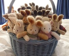 Ideas Crochet Patterns Toys Little Cotton Rabbits For 2019 Bunny Crochet, Knitted Bunnies, Crochet Amigurumi, Knitted Animals, Knitted Dolls, Crochet Toys, Knit Crochet, Amigurumi Tutorial, Knitting Projects