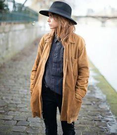 Wanted : une longue veste en daim fauve