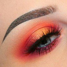 Neon Orange Eye Make-up # Augen Make-up - Makeup Looks For Teens Orange Eye Makeup, Dramatic Eye Makeup, Colorful Eye Makeup, Bright Eye Makeup, Intense Eye Makeup, Colorful Hair, Makeup Inspo, Makeup Art, Makeup Tips