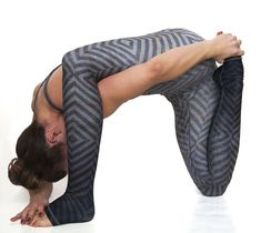 The Mystic leggings move with you through the most complex of yoga poses & flows! #yogaposes