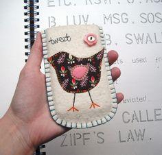 Voor iPhone gemaakt van vilt  Kijk voor vilt op     http://www.bijviltenzo.nl/