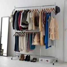 洋服好きに贈る幅と高さが変えられるプロ仕様ハンガーラック。設置スペースや収納量に合わせて幅・高さのサイズが伸縮する収納ハンガー。タンスやワードローブの代わりになる、2段掛けの大容量収納クローゼット。