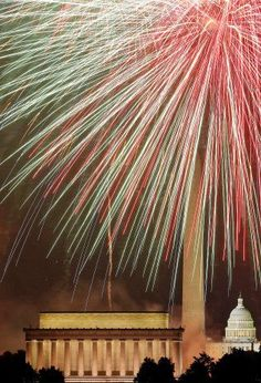 Fireworks over Lincoln Memorial.