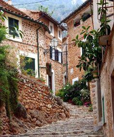 Der idyllische Ort Fornalutx Mallorca