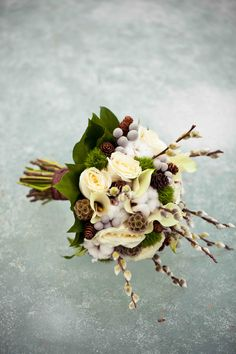 Winter wedding flowers - love the bright green leaves in this one.  It adds an element of freshness.  Winter doesn't always have to be dark.