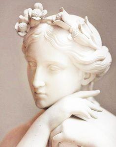 source : gris.bleu.fr psyché musée du louvre paris _ collection art sculpture statue tête de femme mythe