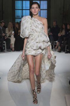 Giambattista Valli Haute Couture Spring/Summer 2017 18