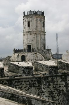 San Juan de Ulua lookout tower,  created as a defending fortress and customs since the arrival of spaniards to Mexico, itas was also used as a prison on more recent times  actually its empty and
