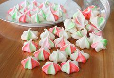 My Kitchen Snippets: Festive Meringue Kisses