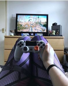 i got the same stick grip but on the left Ps4 Or Xbox One, Xbox One Games, Playstation, Video Game Rooms, Video Games, Nintendo 3ds, Control Ps4, Pc Gaming Setup, Gamer Setup