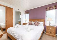 Located in Bath, Bath Mill Lodge Retreat offers accommodations with free WiFi and TV, as well as a bar.