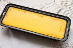 I dag vil jeg gjerne dele oldemoren min sin oppskrift på hjemmelaget karamellpudding med dere. Dette er verdens beste karamellpudding! I min familie serveres denne karamellpuddingen til en hver anledning, jul, konfirmasjon, bursdag og 17.mai. Oldemors karamellpudding lages bare med helmelk istedenfor fløte, som de fleste andre oppskrifter inneholder. Dette kommer av at under krigen var fløte … Pudding Desserts, Dessert Recipes, Norwegian Food, Recipe Boards, Creme Brulee, Griddle Pan, Christmas And New Year, Yummy Drinks, Sheet Pan