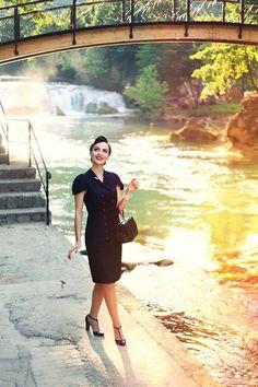 Idda van Munster Walk at the beautiful river Una - Bihać. Vintage Inspired Fashion, Retro Fashion, Vintage Fashion, Women's Fashion, Fashion Outfits, Cool Summer Outfits, Summer Outfits Women, T Strap Pumps, Idda Van Munster