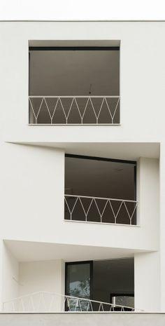 Side vertical pattern by Townhouse, Ghent / Graux & Baeyens Balustrade Design, Railing Design, Facade Design, Exterior Design, Interior And Exterior, Steel Balustrade, Detail Architecture, Interior Architecture, Led Außenstrahler