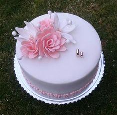 Wedding cake by AndyCake Candy Birthday Cakes, Elegant Birthday Cakes, 18th Birthday Cake, Birthday Cake Girls, Cake Decorating Amazing, Birthday Cake Decorating, Cake Decorating Tips, Bolo Fondant, Fondant Cakes