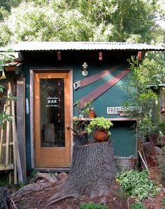 What a great idea for a garden shed you're not using - turn it into the backyard bar