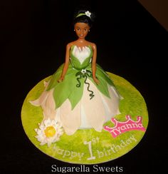 Princess Tiana fondant cake