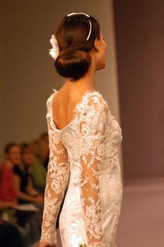 Google Image Result for http://www.weddingmagazine.org.uk/images/hair_beauty/Hair%2520-%2520vintage%2520updos/Grace-Kelly.JPG