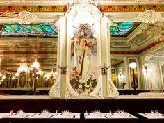 Undoubtedly one of Paris' most beautiful restaurants, Brasserie Julien is filled with fabulous Art Nouveau charm. Bar Chic, Strasbourg, Art Nouveau, Fair Grounds, France, Lebanese Cuisine, French Food, Worship, Love Birds