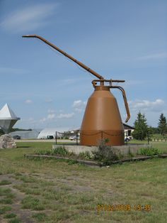 2009 - Rocanville, SK - picture 2 Giant Dinosaur, Canadian Prairies, Artsy Photos, Pop Cans, Tourist Trap, Roadside Attractions, World's Biggest, Weird World, Along The Way