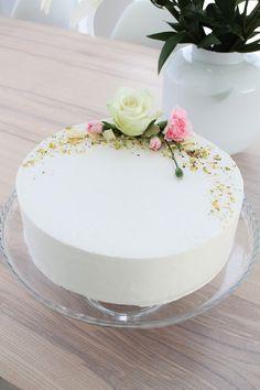 Cake Decorating Piping, Cake Decorating Tutorials, Easter Cake Easy, Naked Cakes, Fresh Flower Cake, Floral Wedding Cakes, Just Bake, Diy Cake, Girl Cakes