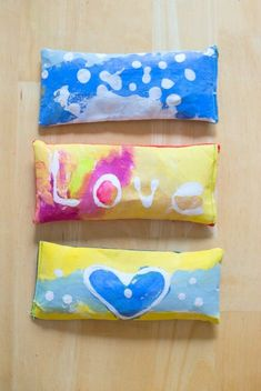 Here are the instructions for how to make eye pillows with soothing lavender. We used fabric decorated with glue batik art, but you could do this with any fabric. These eye pillows make great handmade gifts! Sewing Projects For Kids, Sewing For Kids, Crafts For Kids, Art Projects, Art Activities For Toddlers, Preschool Ideas, Easy Art For Kids, Creative Arts And Crafts, Creative Kids