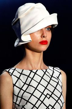 A simple looking cloche with glamour. Not so simple to create, I suspect. #millinery #judithm #hats