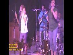 Nicois singing one of my favorite songs!