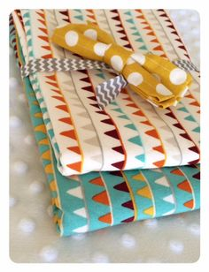 Burp cloths and bow tie! A cute shower gift. By GiveALovey, on Etsy