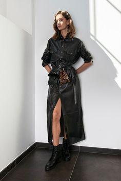 Simonetta Ravizza Spring 2020 Ready-to-Wear Fashion Show - Vogue Fashion 2020, 90s Fashion, Hijab Fashion, Fashion Brands, Spring Fashion, Fashion Show, Womens Fashion, Fashion Design, Vogue Paris