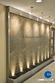 spa reception desk - Good option for stone logo wall, if didn't want to do water Schönheitssalon Design, Flur Design, Lobby Design, Wall Design, Clinic Interior Design, Spa Interior, Clinic Design, Spa Reception Area, Reception Desk Design