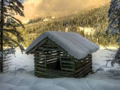 Wooden Hut in The Snowy Forest 18846 Tree Log Wallpaper, Mountain Wallpaper, Winter Wallpaper, House Near River, Wooden Hut, Snow Forest, 4k Wallpaper For Mobile, Cabins And Cottages, Original Wallpaper