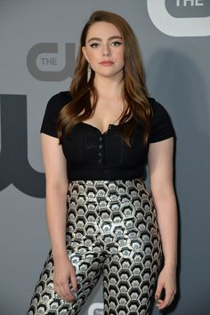 Daniella Rose, Legacy Tv Series, Kaitlyn Dever, Most Beautiful Hollywood Actress, Hope Mikaelson, Female Fighter, Beautiful Celebrities, Hollywood Actresses, Short Dresses