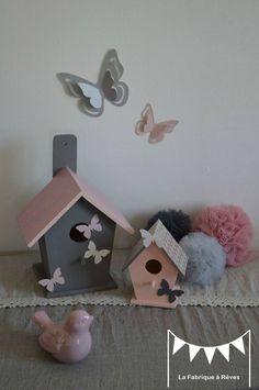 décoration chambre enfant bébé nichoir oiseau maisonnette étoiles gris blanc rose poudré